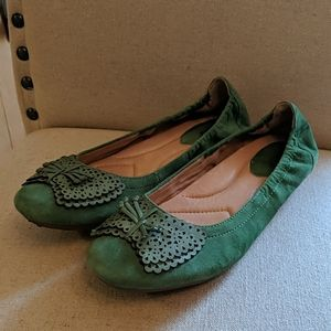 Earth Brand Leather Green Suede Flats